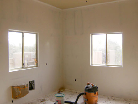 After: Wall repair example in an Arizona home